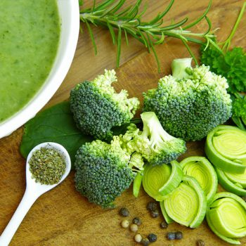 healthy winter foods - soup with green vegetable